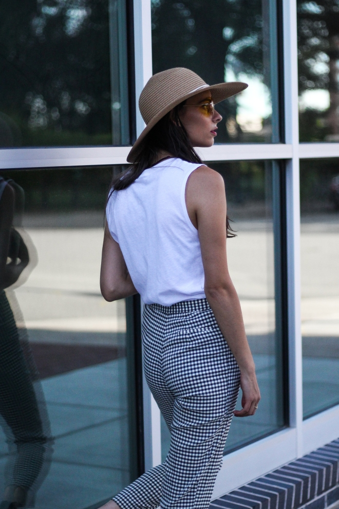gingham pants and sun hat
