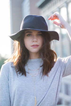 Fashion Ideas: Black Floppy Hat, Gray Tee, and Layered Necklaces